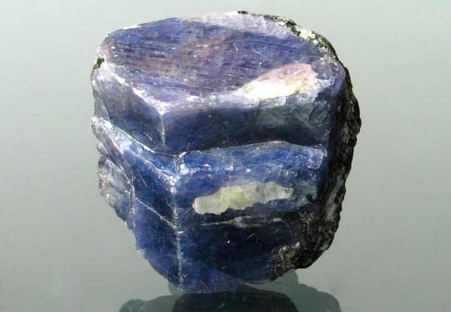 Milujeme Kameny - Safír