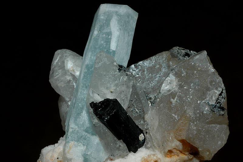 Milujeme Kameny - Křišťál s turmalínem