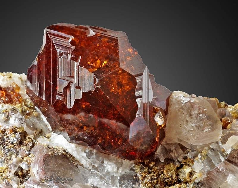 Milujeme Kameny - Granát